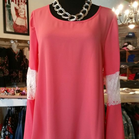 Love this coral & lace top $20