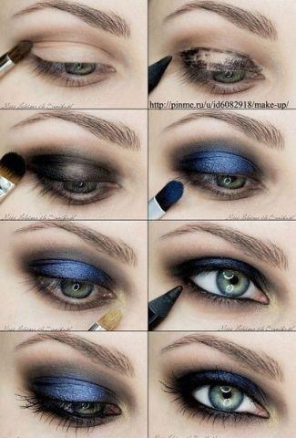 dark blue eye make-up