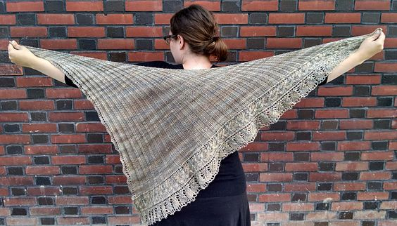 Ravelry: Project Gallery for Loie pattern by Beth Kling