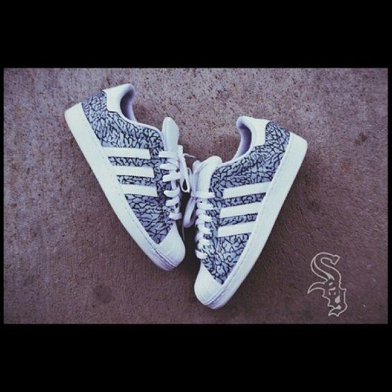 $90  Adidas 80s Superstar Cru Chaussures En Daim De Luxe Bourgogne Blanc