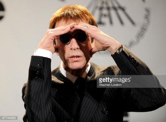Nachrichtenfoto : Musician Robin Gibb of The Bee Gees attend the...