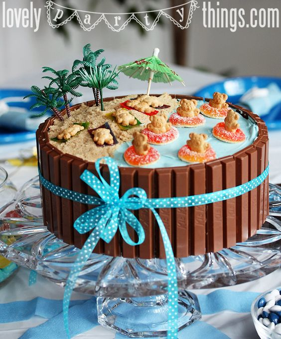 Beach Party Cake. For Twana's party put the name on each Teddy Graham of the party guests:):