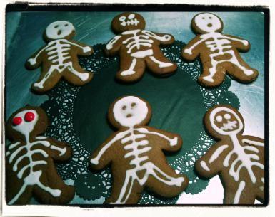 Divierte a vivos y muertos con estas simpáticas galletas: Calacas de galletas de pan de jengibre