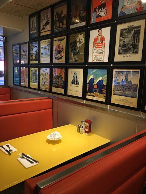 Ruta Martuka Tick Tock Diner O El Café Típico Americano De Las Películas En Nueva York Nueva York Cafe Café
