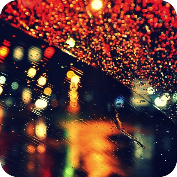 luces en la lluvia