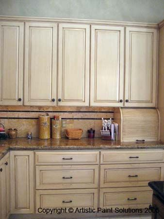 Best Cabinets Antique White Cabinets And Oak Cabinets On Pinterest 400 x 300