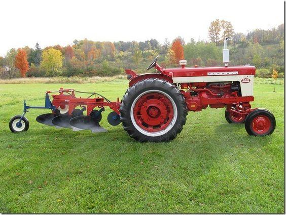 Farmall 560 Tractor : Farmall with ih mccormick moldboard plow