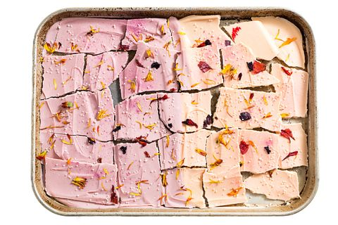 The Prettiest Chocolate Bark for Mother's Day
