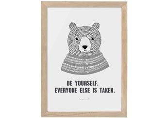 cadre avec affiche 'Be yourself. Everyone else is taken' Bloomingville | shop pour enfants Le Petit Zèbre