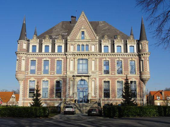 Montigny en - Ostrevent est une commune située dans le Nord -Canton Douai-Sud  Ses habitants sont les Montignarais  Montigny -en- Ostrevent dispose donc d'un château nommé: LAMBRECH MONTIGNY