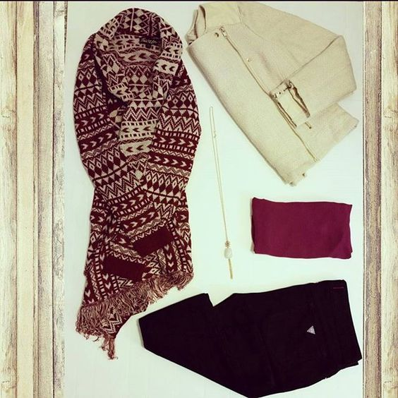 ☆Inside a Miss Fancy StyleBox☆We provide enormous value in each StyleBox + free shipping! Purchase yours today! www.ladiesstylebox.com #bananarepublic #ootd #guess #necklace #style #jeans #wardrobe #instafashion #sweater #loft #fashiontrends #francescas #subscriptionbox #ladiesstylebox