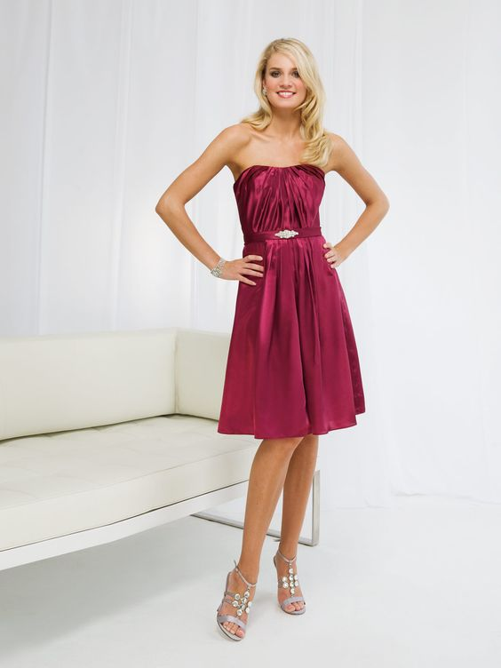 Elegant strapless beading embellishment bridesmaid dress=