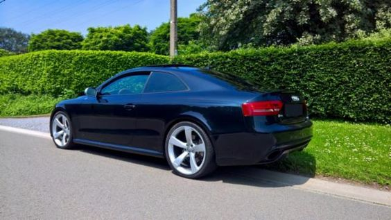 43500,00€ · Audi RS5 4.2 FSI V8 Quattro 450cv · Se vende Audi RS5 4.2 FSI V8450cv QUATTRO del 04/2011 con 54.000km reales. Maxima equipacion posible. El IVA esta incluido en el precio. El coche habria que matricularlo. Se encuentra en Belgica. Para mas info contactar por aqui o whatshApp al +34664 093179. Solo gente realmente seria e interesada. · Vehículos > Coches > Coches Audi