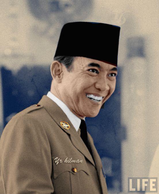 Presiden Soekarno Dengan Senyumnya Tokoh Sejarah Foto Langka Sejarah
