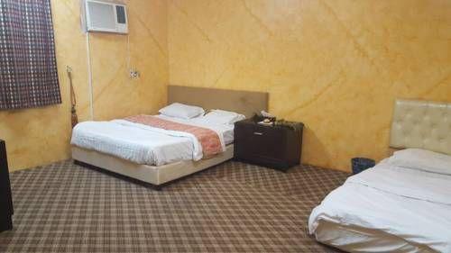 Bees5 فنادق السعودية شقق فندقية السعودية Home Decor Furniture Bed