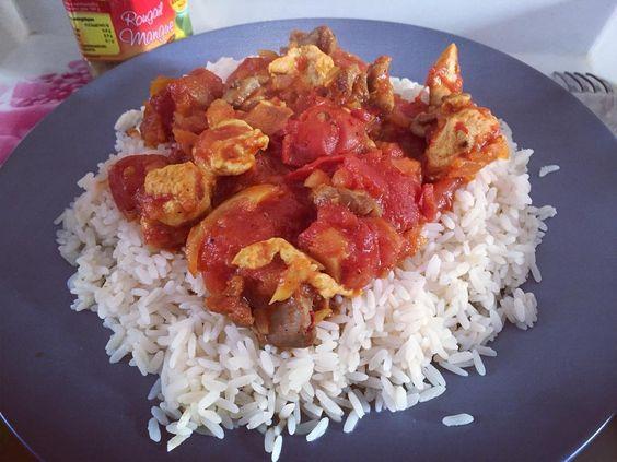 Au menu ce midi : carri de poulet maison  On essaie de se rappeler la Reunion  #miam #yummy #fitfam #fitfrenchies #gainz #rougail #reunion #reunionisland #iledelareunion #cari #poulet #befit #getfit #fit #fitgirl #fitnessgirl #food #cuisine #cuisinedumonde #eatclean #mangersain #pdp #pertedepoids #weightloss #motivation by curvym_get_fit