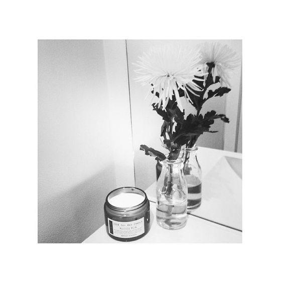@atlashair Giving their customers only the best by burning our Poached Pear 100% Soy Wax Candle L O V E ✔️ #electriceyes #atlashair #northernbeaches #soy #soywax #soywaxcandle #poachedpear #candle #candles #homewares #interior #interiors #interiordesign #style #love #sweet #pear #poached #hair #hairsalon