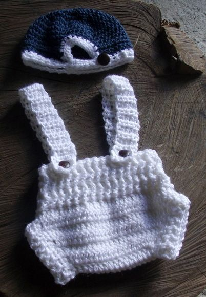 Conjunto confeccionado em fio antialérgico em crochê.  cor - branco e azul ( pode ser feito em outras cores)  tamanhos - RN/ 1 a 3 / 3 a 6 meses R$ 69,90
