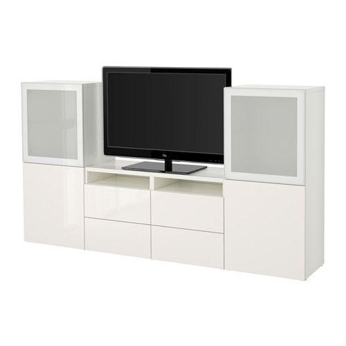 IKEA - BESTÅ, TV-Komb. mit Vitrinentüren, weiß/Selsviken Hochglanz/Frostglas weiß, Schubladenschiene, Drucksystem, , Wandschränke mit geringer Tiefe benötigen wenig Platz und nutzen Wandfläche optimal - z.B. über dem Fernsehgerät.Dank mehrerer Öffnungen auf der Rückseite der TV-Bank lassen sich Kabel von Fernseh- und anderen Geräten verdeckt, aber griffbereit ordnen.Dank der Kabelöffnung auf der Oberseite der TV-Bank lassen sich Anschlüsse in den Bankkorpus leiten.