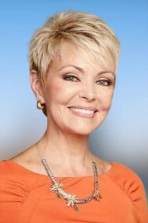 Pixie Hairstyle For Women Over 55 In 2020 Older Women Hairstyles Short Hair Over 60 Short Sassy Haircuts
