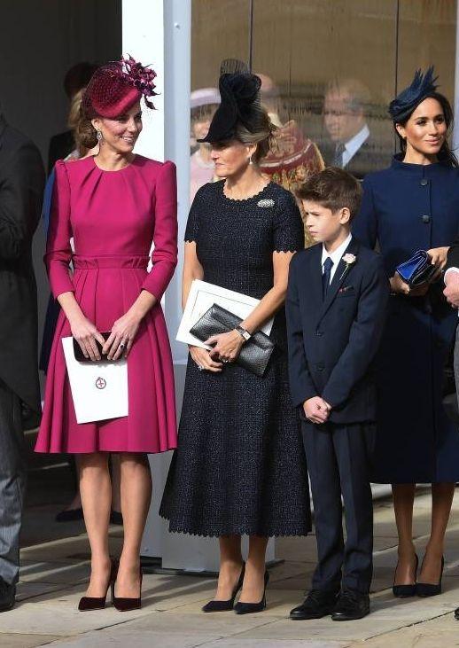 Prinzessin Eugenie Ihr Brautkleid Ist Atemberaubend Adelswelt Prinzessin Eugenie Koniglicher Stil Brautkleid Prinzessin