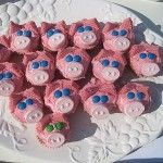 Piggy cupcakes...for the Cupcake Kids!