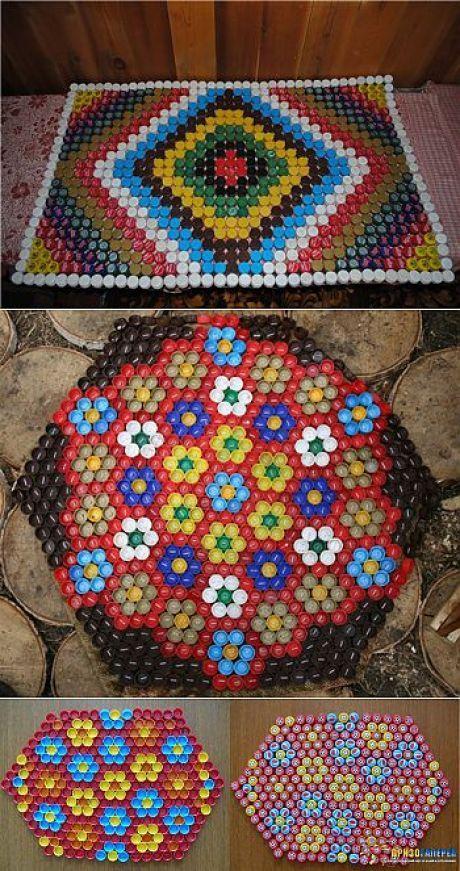 El tapiz pequeño de masaje de las tapas de las botellas de plástico.