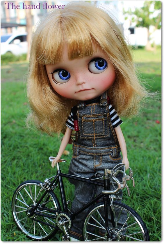 OOAK Custom Blythe doll Tanned faceplate.