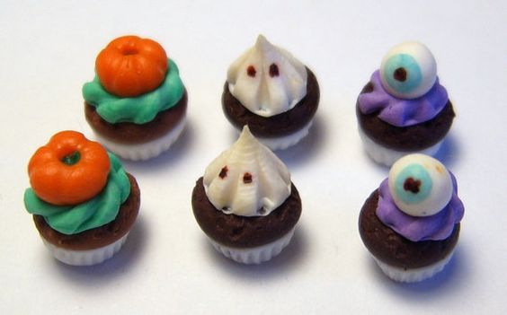 1:12 scale  Halloween Cupcakes ......dolls house miniature handmade by small portions