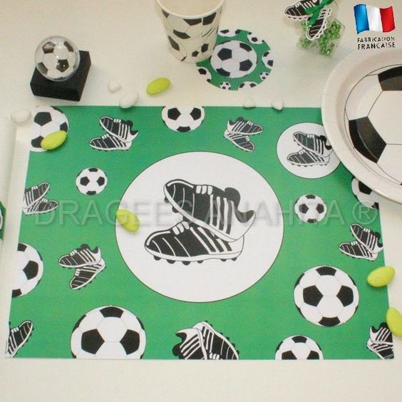 Set de table football une d coration de table en parfaite - Decoration football pour anniversaire ...