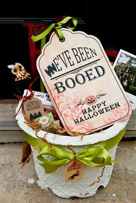 """Many different templates for """"Boo-ing"""" your neighbors."""