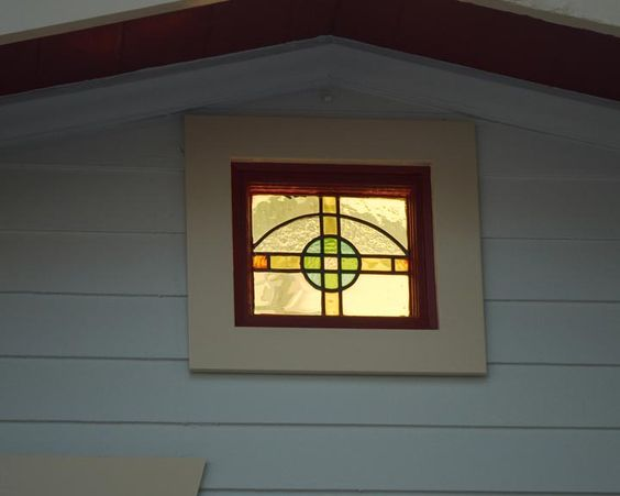Stained glass window vintage cottage in Venice Beach #venicebeach