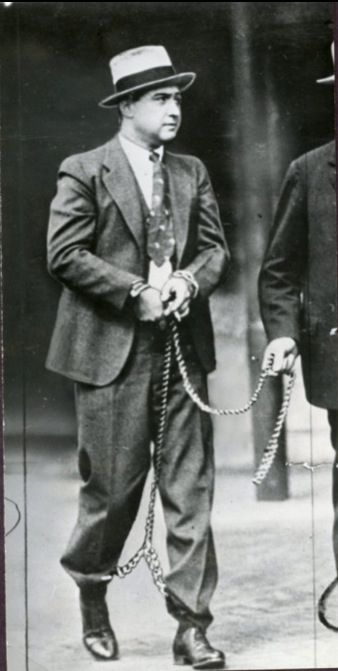 """George """"Machine Gun Kelly"""" Barnes was a notorious DFW gangster who robbed a bank in Denton TX."""