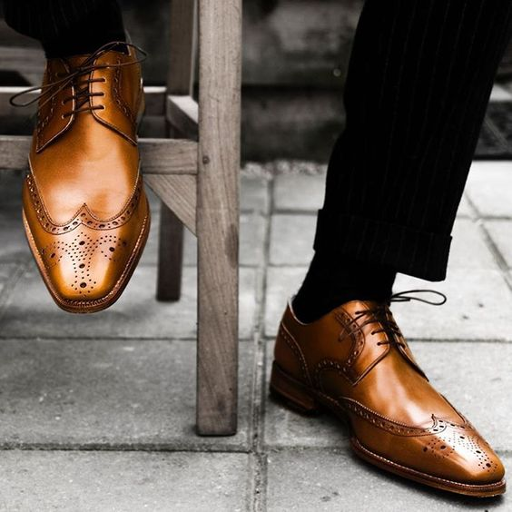 """""""Style is the perfection of a point of view"""" - Richard Eberhart, poet. Happy Friday Manscapers. . . #tgif #manscaping #shoes #style #mensstyle #fashion #friday #weekend #dapper #nadsformen #mensfashion #mensgrooming"""