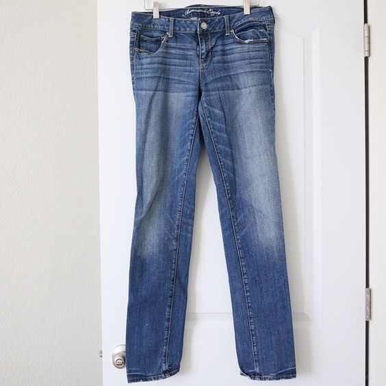 American Eagle Skinny Jeans American Eagle Skinny Jeans. Size 10 long. Used but in great shape! American Eagle Outfitters Jeans Skinny