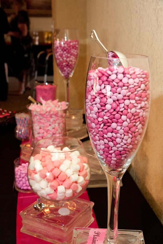 Love this candy bar.  You can find those huge wine glasses at Home Goods.  A reason to buy them now.