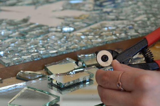 Mosaic Kitup - Mosaic Kit - Glass Mosaic Patterns - Mirror Mosaic - Mirror Glass Mosaic - Work in progress - Mosaic Designs - Mosaic Patterns - Mosaic Art Work in Progress - Tiles - Handcrafting - WIP Mosaic | #Mozaico