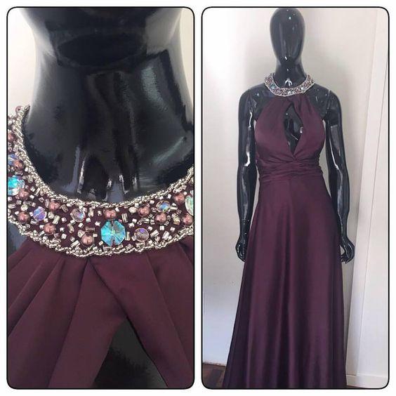 Marsala...  Quem não gosta dessa cor lindíssima???!!!  #coleçãovestine #vestidodefesta #altacostura #bordadoamao #coleira #coleirabordada #marsala #inverno2016