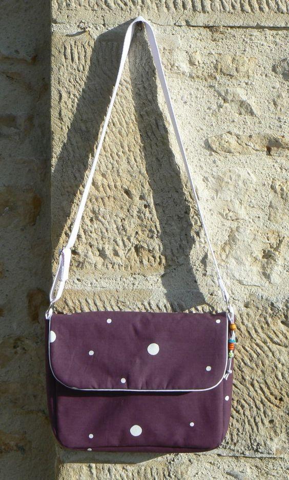 Sac besace mes petites coutures couture accessoires pinterest haute couture et voyage - Tuto couture sac besace ...