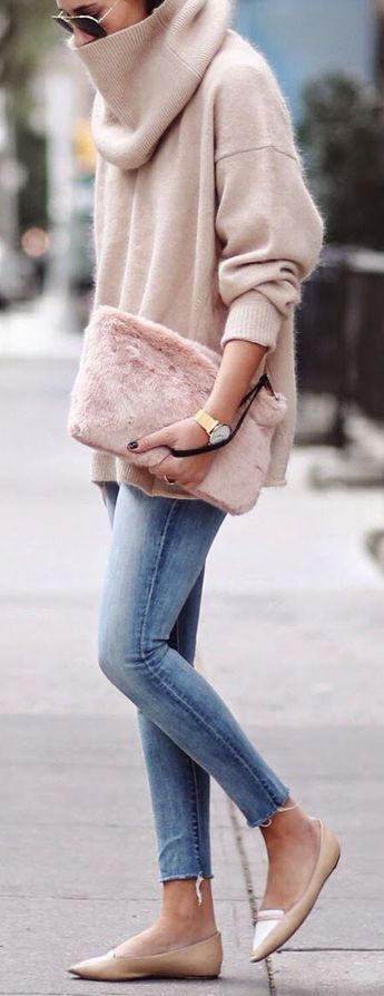 This fuzzy sweater outfit is a winter must-have!