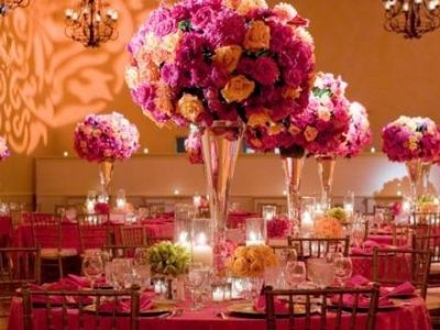 Beautifully Charming DIY Wedding Centerpieces … budget-friendly way to add a personal touch to your wedding decorations!