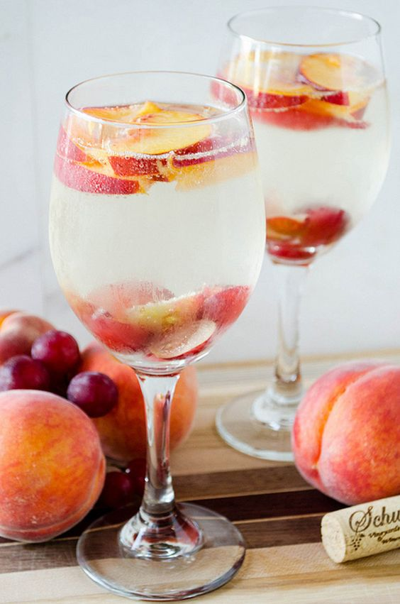 White Peach Sangria ~ we ❤ this! moncheribridals.com