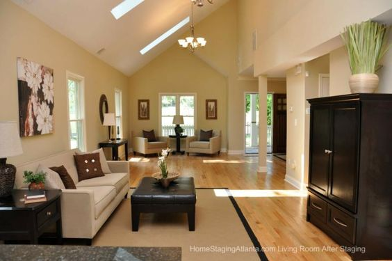Home Staging Atlanta Living Room Before And After Pictures Room Set Staging And Home Staging
