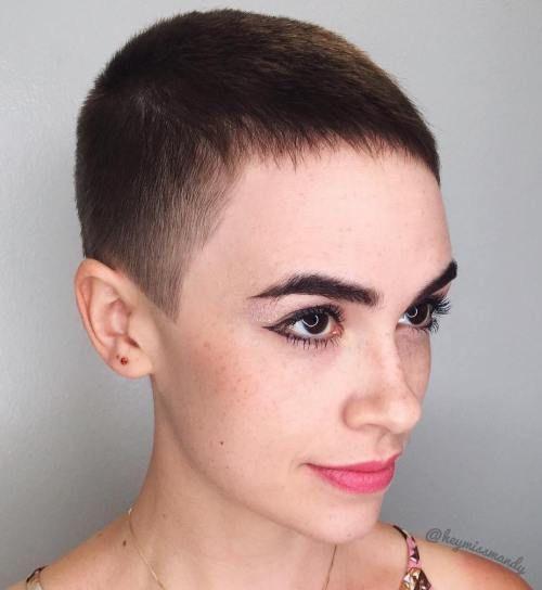 Pin Auf Die Frisuren Der Frauen