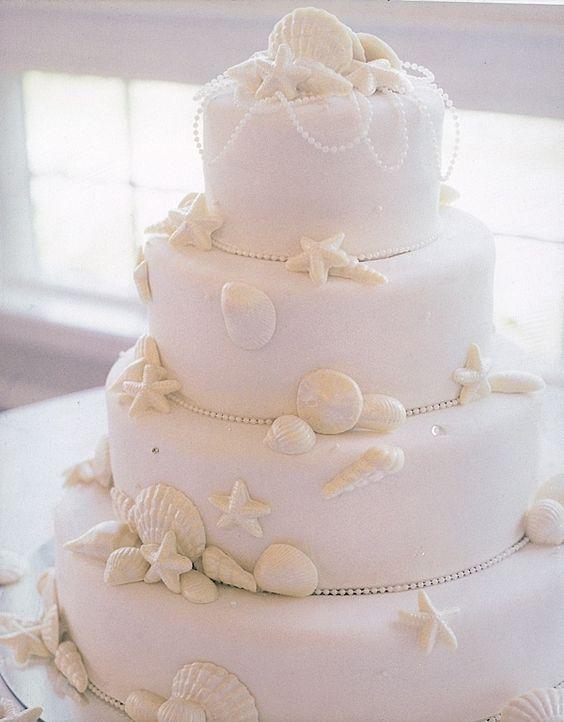 So delicate and pretty, all white sea shell cake.