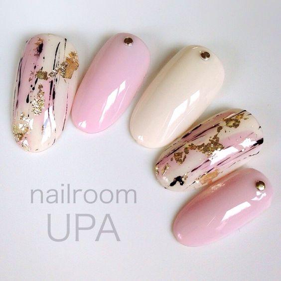 Pink.Ivory.Graffiti.Gold.Nails.Art