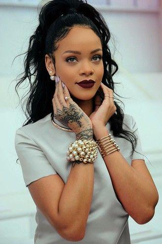 make-up lipstick rihanna brand dark lipstick pearl gold bracelet pearl earrings jewels jewelry earrings double sided earrings bracelets rihanna style rihanna jewelry