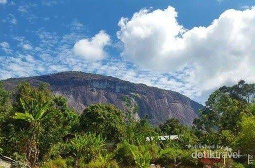 Pemandangan Kalimantan Barat Maka Dari Itu Anda Akan Sering Melihat Hamparan Lautan Awan Yang Tepat Di Hadapan Anda Semua Kamu Di 2020 Pemandangan Kalimantan Pantai
