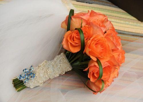 Jen's bouquet in sunshiney orange!