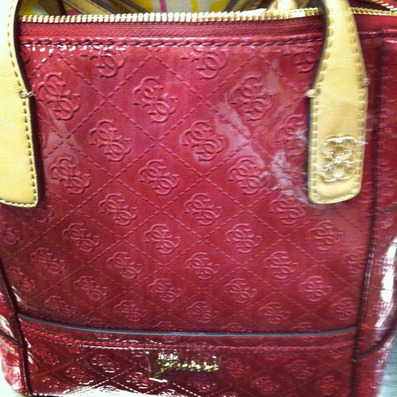 Guess burgundy bag for fall